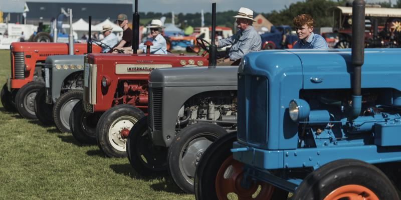 Vintage Vehicles & Tractors